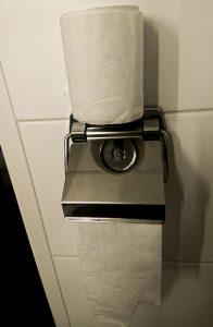 Toiletrolhouder met toiletrol